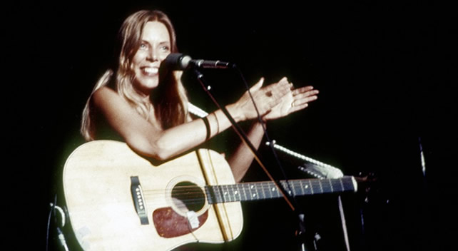 Joni Mitchell in 1975