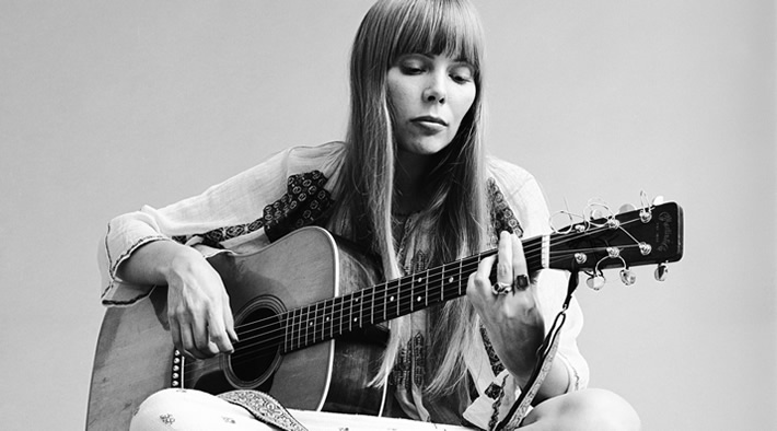 Joni Mitchell in 1971